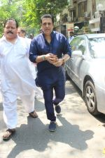 Govinda Snapped on 24th March 2016 (8)_56f51c293e82f.JPG
