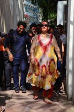 Govinda at Holi celebration on 24th March 2016 (17)_56f51899ceb49.JPG