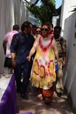 Govinda at Holi celebration on 24th March 2016 (20)_56f518bba7fb0.JPG