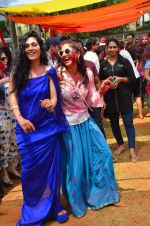 at Meet Brothers Holi Bash on 24th March 2016 (72)_56f51b0f5e826.JPG