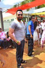 at Meet Brothers Holi Bash on 24th March 2016 (74)_56f51b145a27e.JPG
