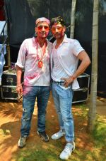 at Meet Brothers Holi Bash on 24th March 2016 (76)_56f51b19596e9.JPG