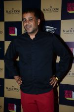 Chetan Bhagat at Colin & Brad_s Two Man Show play at NCPA on 25th March 2016 (44)_56f68bdc59a56.JPG