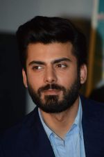Fawad Khan at Kapoor and Sons Success Meet on 25th March 2016 (27)_56f6909bcaef2.JPG