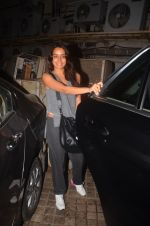 Shraddha Kapoor snapped in Mumbai on 25th March 2016 (12)_56f6898fc1a3e.JPG