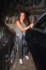 Shraddha Kapoor snapped in Mumbai on 25th March 2016 (8)_56f6897dd3e45.JPG