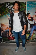 Sidharth Malhotra at Kapoor and Sons Success Meet on 25th March 2016 (169)_56f68f4102cc4.JPG