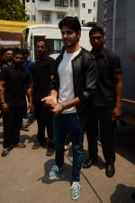 Sidharth Malhotra at Kapoor and Sons Success Meet on 25th March 2016 (65)_56f690313c9ed.JPG