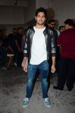 Sidharth Malhotra at Kapoor and Sons Success Meet on 25th March 2016 (66)_56f69031cd710.JPG