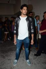 Sidharth Malhotra at Kapoor and Sons Success Meet on 25th March 2016 (67)_56f69033925eb.JPG
