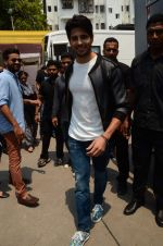 Sidharth Malhotra at Kapoor and Sons Success Meet on 25th March 2016 (70)_56f69034bd96a.JPG