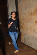 Gauri Shinde at ki and ka screening in Mumbai on 26th March 2016 (75)_56f7d2112888d.JPG