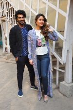 Kareena Kapoor, Arjun Kapoor snapped in Mumbai on 26th March 2016