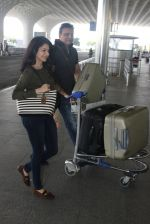 Bhagyashree snapped at airport on 28th March 2016 (10)_56fa6dbadedd4.JPG