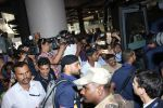 Harbhajan Singh snapped at airport on 28th March 2016 (29)_56fa6dd535d65.JPG