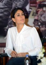 Kareena Kapoor at Ki and KA meet in Delhi on 28th March 2016