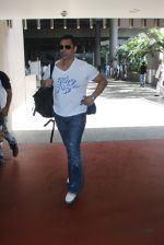 Shoaib Akhtar snapped at airport on 28th March 2016 (19)_56fa6df41b749.JPG