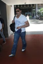 Shoaib Akhtar snapped at airport on 28th March 2016