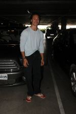 Tiger Shroff snapped at airport on 28th March 2016