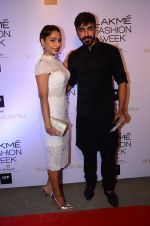 Aashish Chaudhary at Manish malhotra lakme red carpet on 29th March 2016 (143)_56fbbf683eacc.JPG
