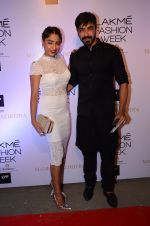 Aashish Chaudhary at Manish malhotra lakme red carpet on 29th March 2016 (144)_56fbbf69340e8.JPG