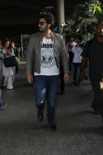 Arjun Kapoor snapped at airport on 29th March 2016