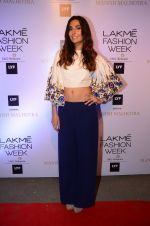 Monica Dogra at Manish malhotra lakme red carpet on 29th March 2016 (87)_56fbc06f8d3c0.JPG