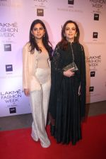 Nita Ambani at Manish malhotra lakme red carpet on 29th March 2016 (151)_56fbc0838f501.JPG