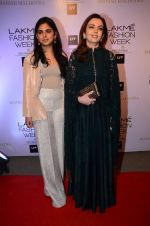 Nita Ambani at Manish malhotra lakme red carpet on 29th March 2016 (46)_56fbc07b739cb.JPG