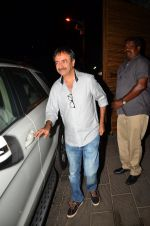 Rajkumar Hirani at Aamir Khan_s party in home on 29th March 2016 (84)_56fbb23acdb20.JPG