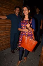 Sonali Kulkarni at Aamir Khan_s party in home on 29th March 2016 (81)_56fbb2ab2fab5.JPG