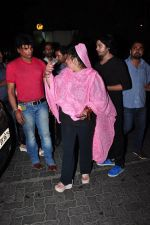 Dolly Bindra at Ambani hospital for Pratusha Banerjee on 1st April 2016 (43)_56ffb80df305c.JPG