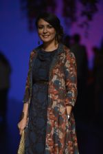 Mini Mathur at Anita Dongre Show at LIFW 2016 Day 3 on 1st April 2016 (28)_56ffb52c7d6dd.JPG