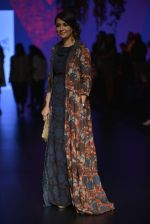 Mini Mathur at Anita Dongre Show at LIFW 2016 Day 3 on 1st April 2016 (31)_56ffb539bf18f.JPG
