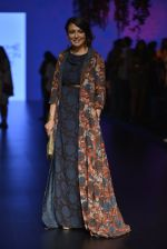 Mini Mathur at Anita Dongre Show at LIFW 2016 Day 3 on 1st April 2016 (37)_56ffb55640dd8.JPG