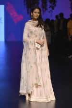 Mira Rajput at Anita Dongre Show at LIFW 2016 Day 3 on 1st April 2016 (247)_56ffb5544148a.JPG