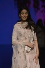 Mira Rajput at Anita Dongre Show at LIFW 2016 Day 3 on 1st April 2016 (253)_56ffb5636e1ab.JPG