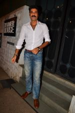 Sikander Kher snapped at NIDO on 1st April 2016 (15)_56ffac56506bc.JPG