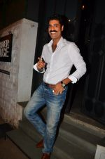 Sikander Kher snapped at NIDO on 1st April 2016 (13)_56ffac4fdf27d.JPG