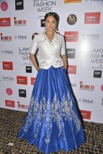 Sonakshi Sinha walks for Anita Dongre Show at LIFW 2016 Day 3 on 1st April 2016 (1024)_56ffb5f48a972.JPG