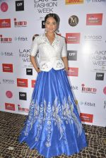 Sonakshi Sinha walks for Anita Dongre Show at LIFW 2016 Day 3 on 1st April 2016 (1025)_56ffb5f586132.JPG