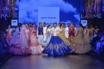 Sonakshi Sinha walks for Anita Dongre Show at LIFW 2016 Day 3 on 1st April 2016 (929)_56ffb57642121.JPG