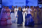 Sonakshi Sinha walks for Anita Dongre Show at LIFW 2016 Day 3 on 1st April 2016 (947)_56ffb590a57b9.JPG