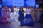 Sonakshi Sinha walks for Anita Dongre Show at LIFW 2016 Day 3 on 1st April 2016 (951)_56ffb597ca522.JPG