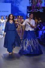 Sonakshi Sinha walks for Anita Dongre Show at LIFW 2016 Day 3 on 1st April 2016 (957)_56ffb5a09fb3d.JPG