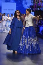 Sonakshi Sinha walks for Anita Dongre Show at LIFW 2016 Day 3 on 1st April 2016 (960)_56ffb5aa0d630.JPG