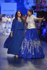Sonakshi Sinha walks for Anita Dongre Show at LIFW 2016 Day 3 on 1st April 2016 (961)_56ffb5ab24245.JPG