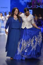 Sonakshi Sinha walks for Anita Dongre Show at LIFW 2016 Day 3 on 1st April 2016 (967)_56ffb5b2e0643.JPG