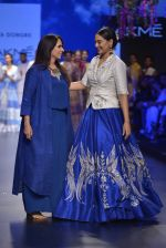 Sonakshi Sinha walks for Anita Dongre Show at LIFW 2016 Day 3 on 1st April 2016 (970)_56ffb5b63aef9.JPG