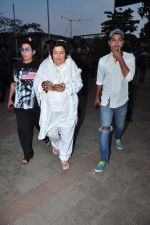 Dolly Bindra at Pratyusha Banerjee_s funeral on 2nd April 2016 (72)_5700c28b037dd.JPG